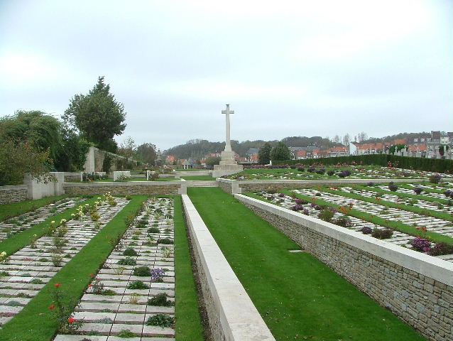 BOULOGNE EASTERN CEMETERY