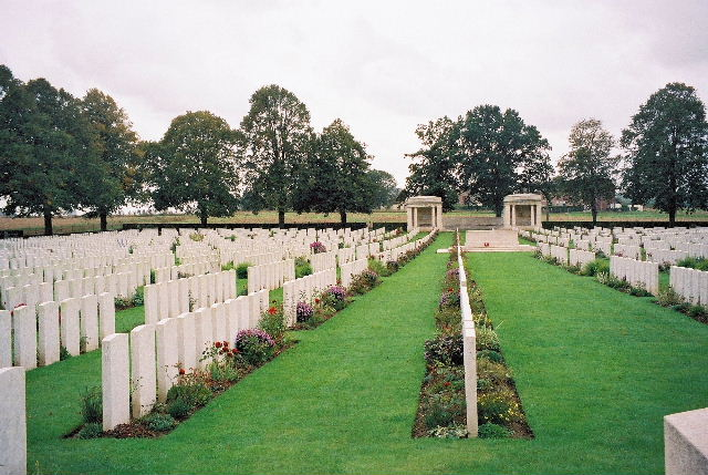 DELVILLE WOOD CEMETERY, LONGUEVAL