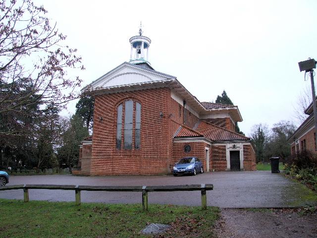 KNEBWORTH (ST. MARTIN) CHURCHYARD